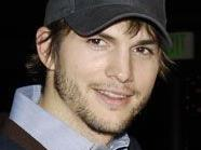 """Ahton Kutcher ersetzt Charlie Sheen in """"Two And A Half Men"""""""
