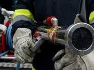 Die Feuerwehr kämpfte sich durch dicke Rauchschwaden.