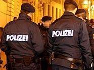 Gleich zweimal schlugen Räuber am Freitag in Wien zu.