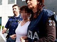 Eissalonbesitzerin Goidsargi Estibaliz C. bei ihrer Verhaftung in Udine.