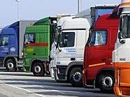 Auf einem Rastplatz in Schwechat wurde ein LKW-Fahrer überfallen.