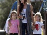 Denise Richards mit ihren Töchtern Sam und Lola