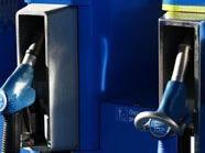 Maskierte Männer überfallen Tankstelle