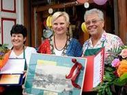 Stadträting Frauenberger gratuliert zu 140 Jahren am Viktor-Adler-Markt.