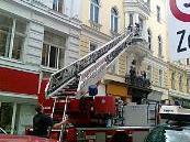 Die Feuerwehr musste zu einem Einsatz in die Lindengasse ausrücken.