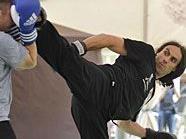 Kung Fu-Meister Perry Zmugg schaffte es ins Guiness Buch der Rekorde.
