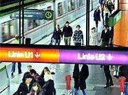 Seit einem Jahr steht den Wienerinnen und Wienern die Nacht-U-Bahn zur Verfügung. Das wird gefeiert.