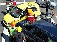 Vier Verletzte forderte ein Crash auf der B4 im Bezirk Tulln.