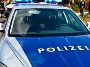 Floridsdorf: Bub rannte in Auto