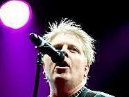 The Offspring heizten dem Publikum als Headliner am zweiten Tag beim Two Days A Week 2012 ordentlich ein.