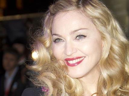 Madonnas Bruder lebt unter der Brücke
