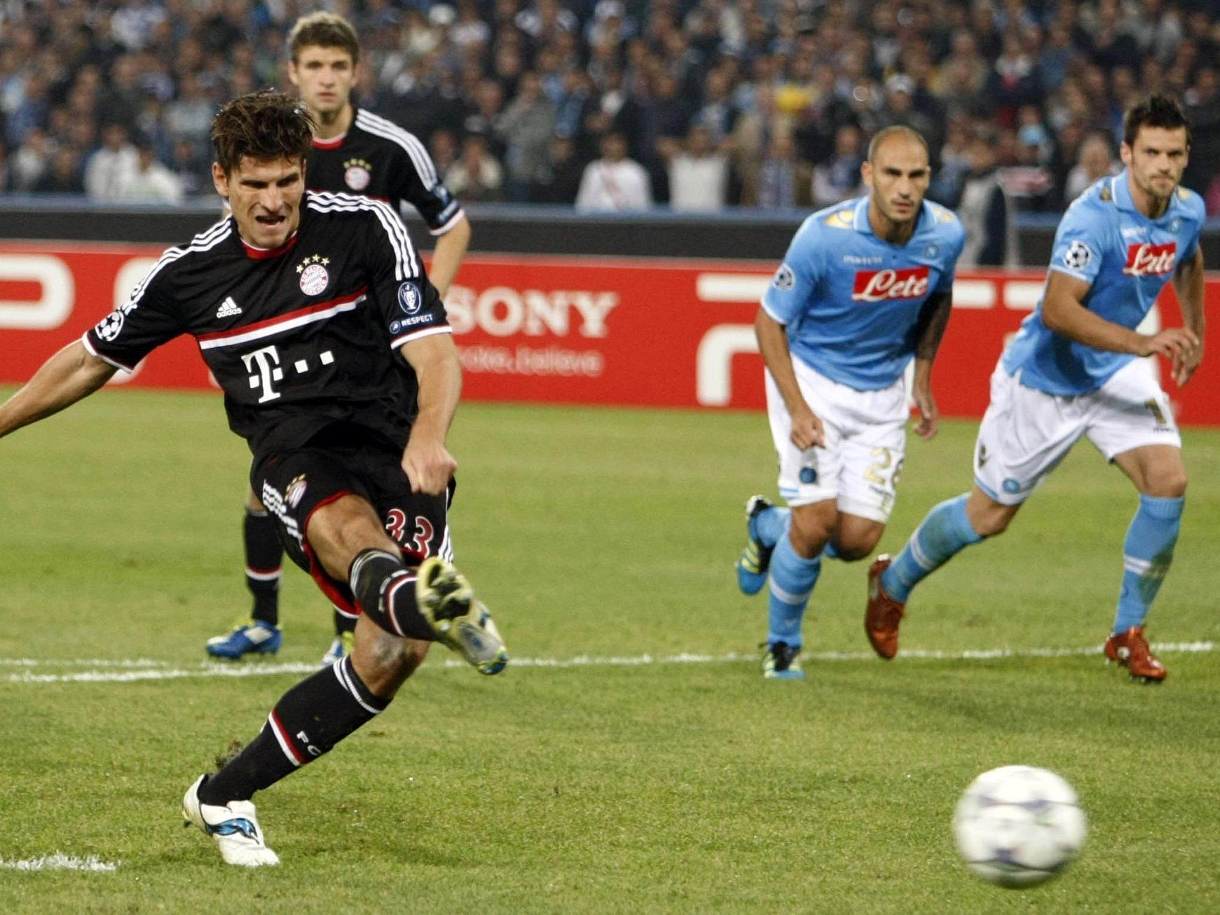 Der FC Bayern München muss sich mit inem 1:1 gegen Neapel zufreiden geben.
