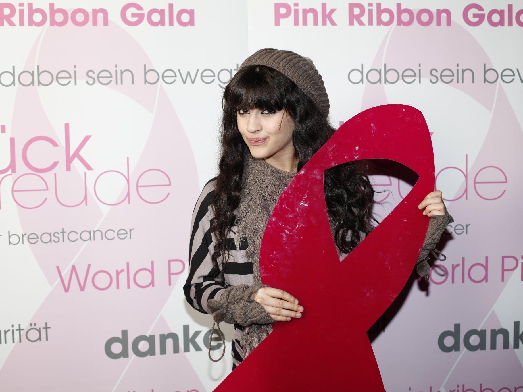 Stargast Nadine Beiler auf der Pink Ribbon Night