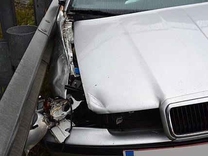 Der Wagen wurde beim Unfall auf der der A2 im Frontbereich schwer beschädigt