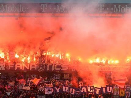 Anzeige gegen Wiener Austria nach Spielunterbrechung wegen Pyrotechnik.