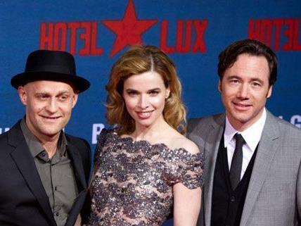 """Michael """"Bully"""" Herbig (r.), Juergen Vogel und Thekla Reuten bei der Premiere in Berlin."""