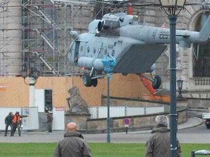 Die Hubschrauber drehen ihre Runden über Wien.