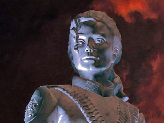 Auf dem Plattencover von HIStory war er schon eine Statue. Jetzt folgt die echte in Mistelbach.