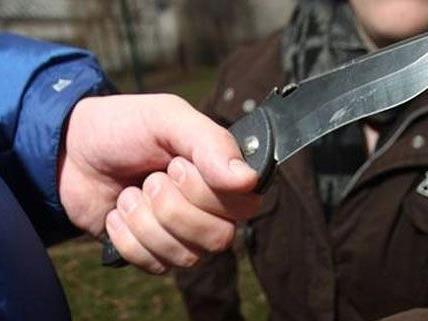 Der 17-Jährige überlebte die Messerattacke.