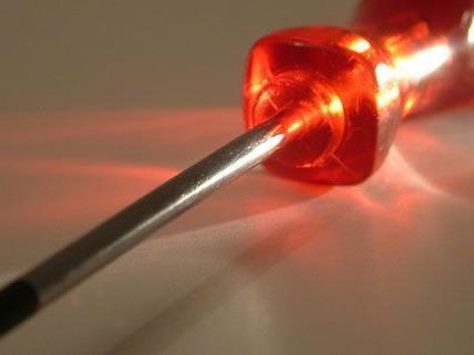 Elektriker wurde in Klagenfurt von Jugendlichen mit einem Schraubenzieher attackiert