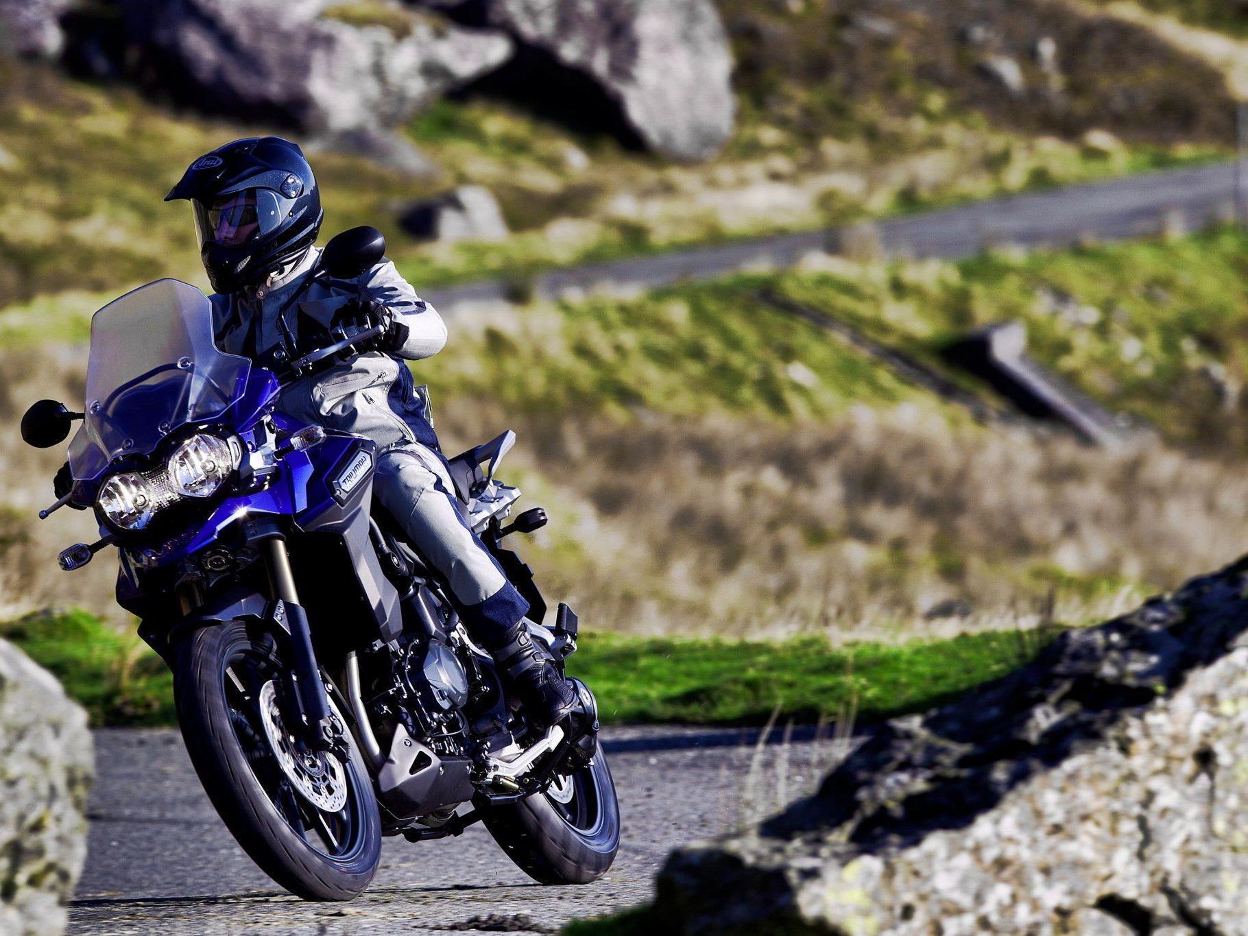 TRIUMPH kommt 2012 mit drei neuen Modellen.