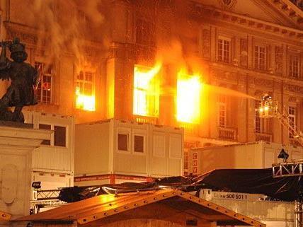 Der Großbrand führte zu schweren Schäden am ehemaligen Bank Austria-Gebäude