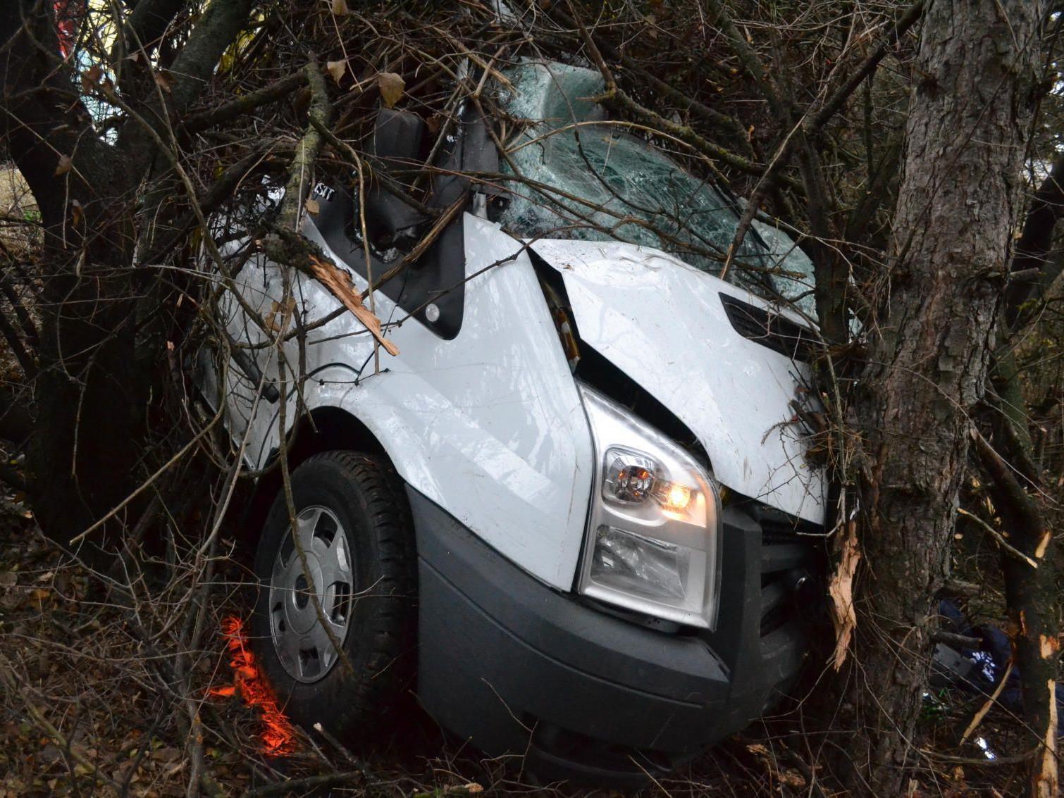 In diesem Kleintransporter musste der junge Fahrer sterben.