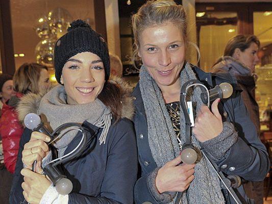 Maddalena Hirschal und Franziska Weisz unterstützten die Tuchlauben-Aktion.