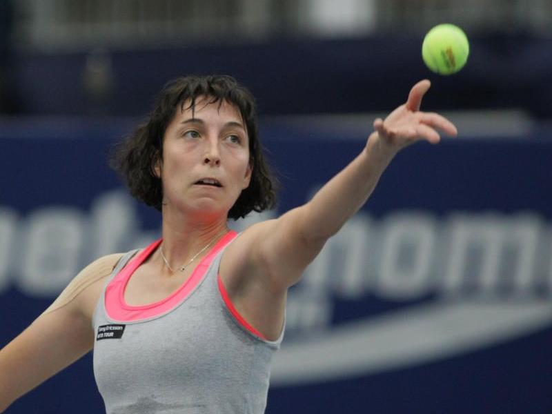 Yvonne Meusburger steht in Ismaning in der zweiten Runde