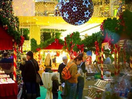 Der SCS Weihnachtsmarkt läst bis zum 24. Dezember zum Verweilen.