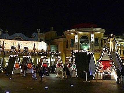 Beim Weihnachtsmarkt am Riesenradplatz warten Msuik-Highlights