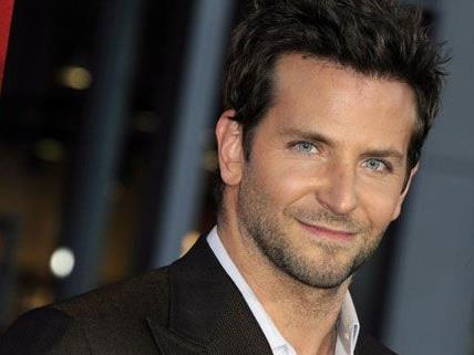 """Bradley Cooper ist der """"Sexiest Man Alive"""" 2011."""