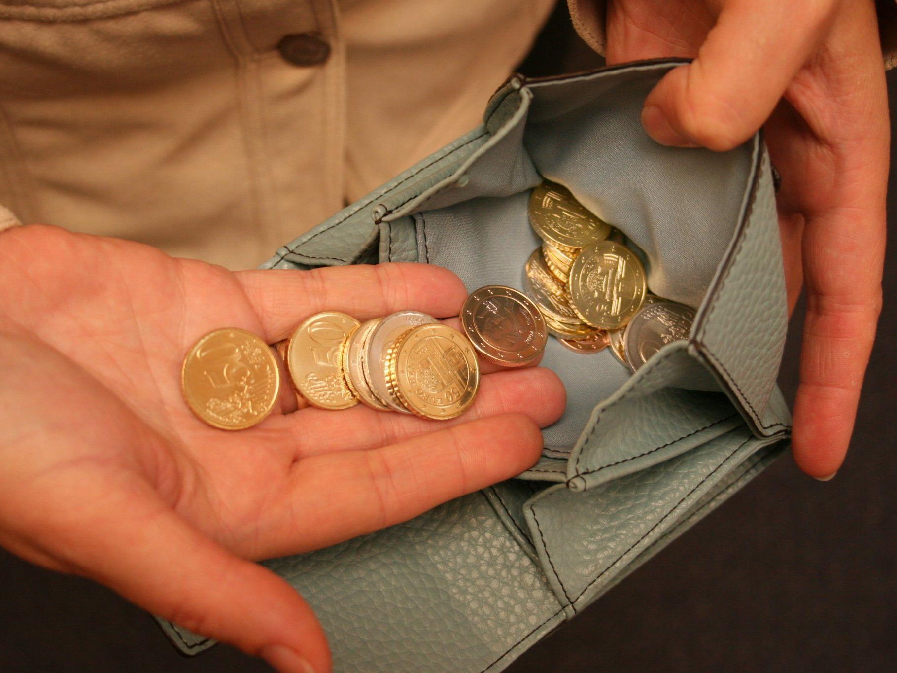 Kleinbeträge fehlten immer wieder in den Geldbörsen der Heimbewohner.
