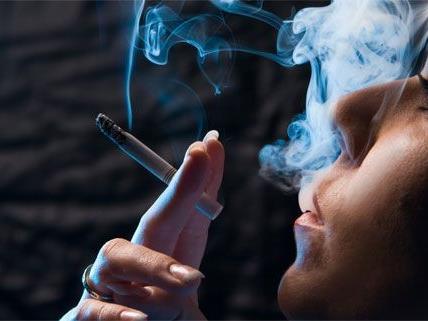 Die MedUni Wien verortet in einer Studie Mängel beim Tabakgesetz in Lokalen.