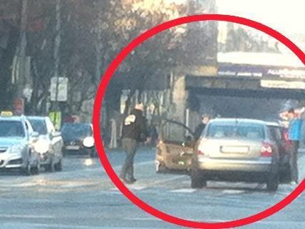 Unser Leserreporter schickte uns ein Bild vom Unfall im 15. Bezirk.