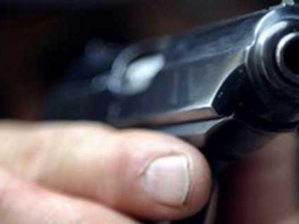Manmn bedrohte in Steyr Angestellten mit einer Pistole