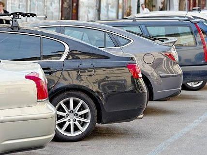 Parkplatzsuche in Hernals war oftmals eine Geduldprobe - mit dem Parkpickerl soll es besser werden