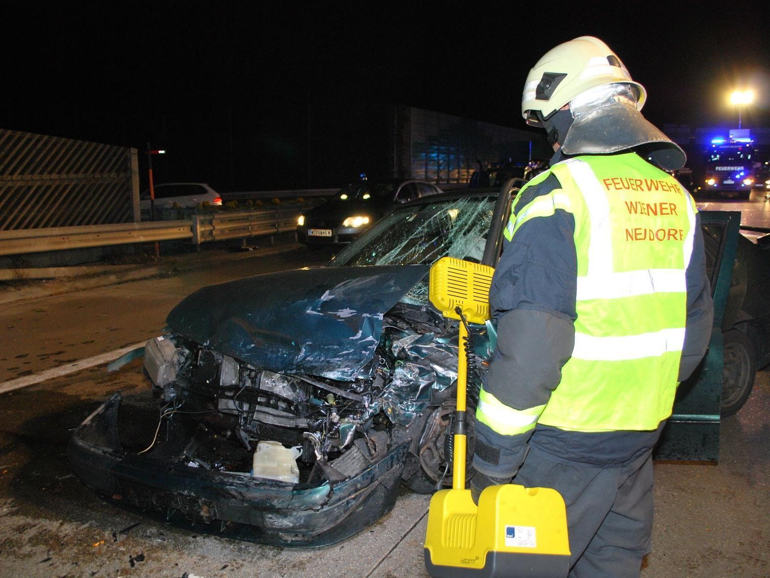Fünf Autos waren auf der A2 ineinander gekracht.