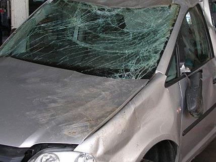 Dieser Pkw wurde erst gestohlen und später in einen Unfall verwickelt