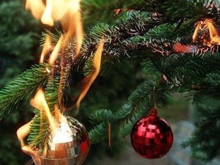Expertentipps: Das tut man beim Christbaumbrand.