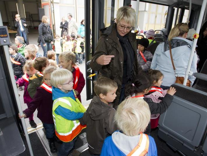 Die öffentlichen Verkehrsmittel werden immer beliebter.