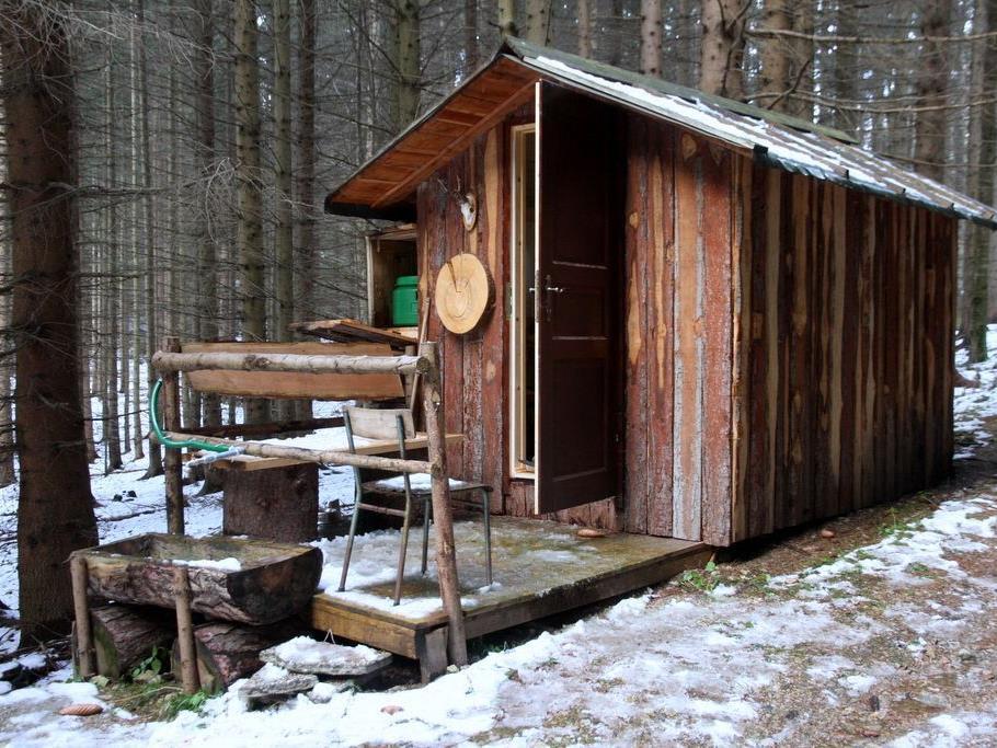 Mysteriös: Zwei tote Jäger wurden in dieser Hütte aufgefunden.