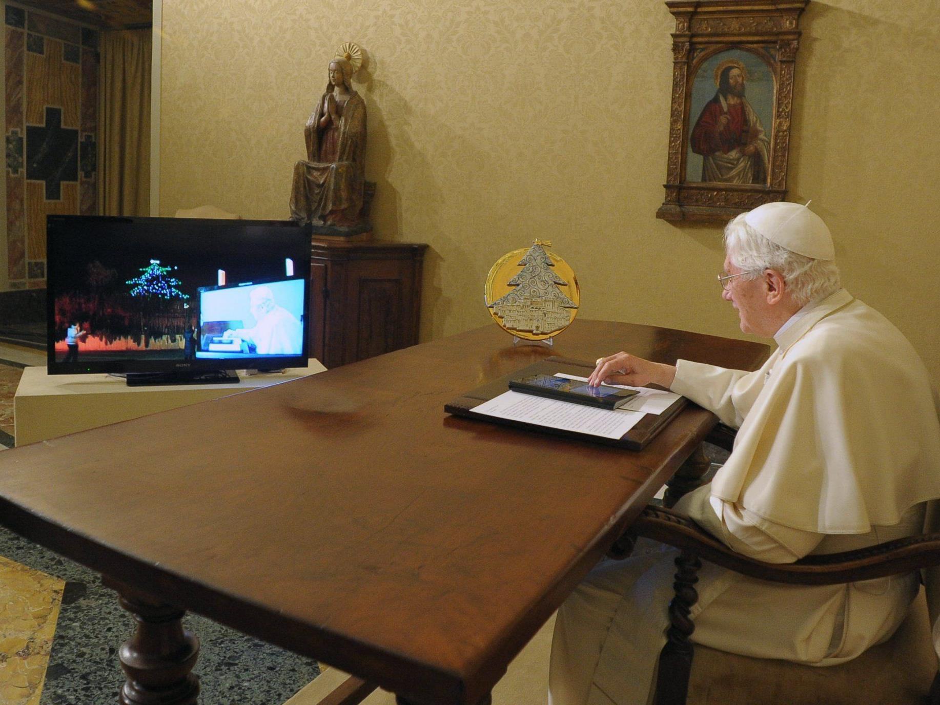 Knopfdruck im Vatikan, Erleuchtung in Umbrien