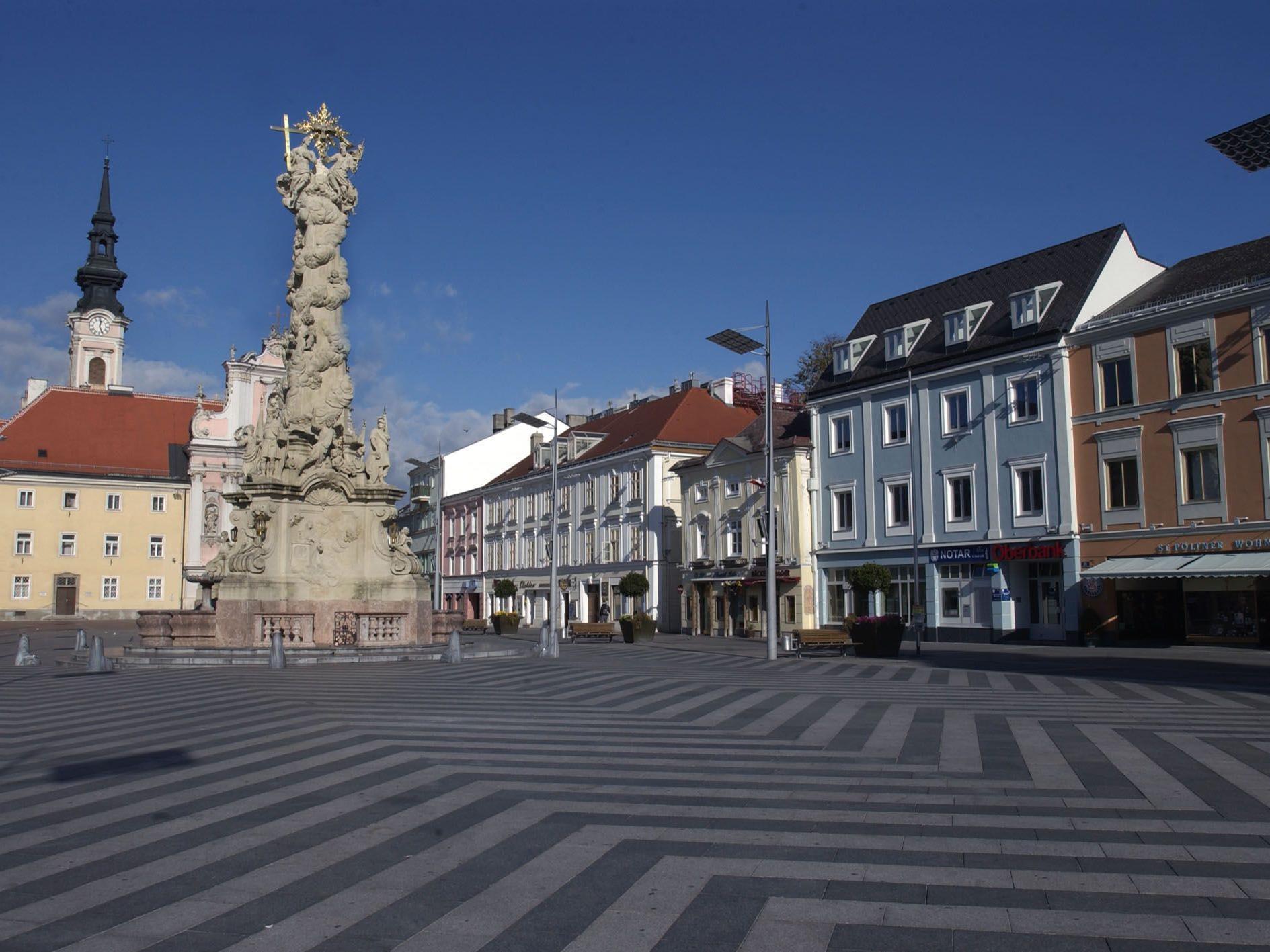 Rathausplatz in St. Pölten, Niederösterreich