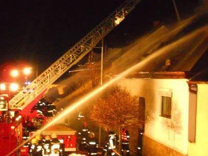 Dachstuhl im Burgenland fing Feuer