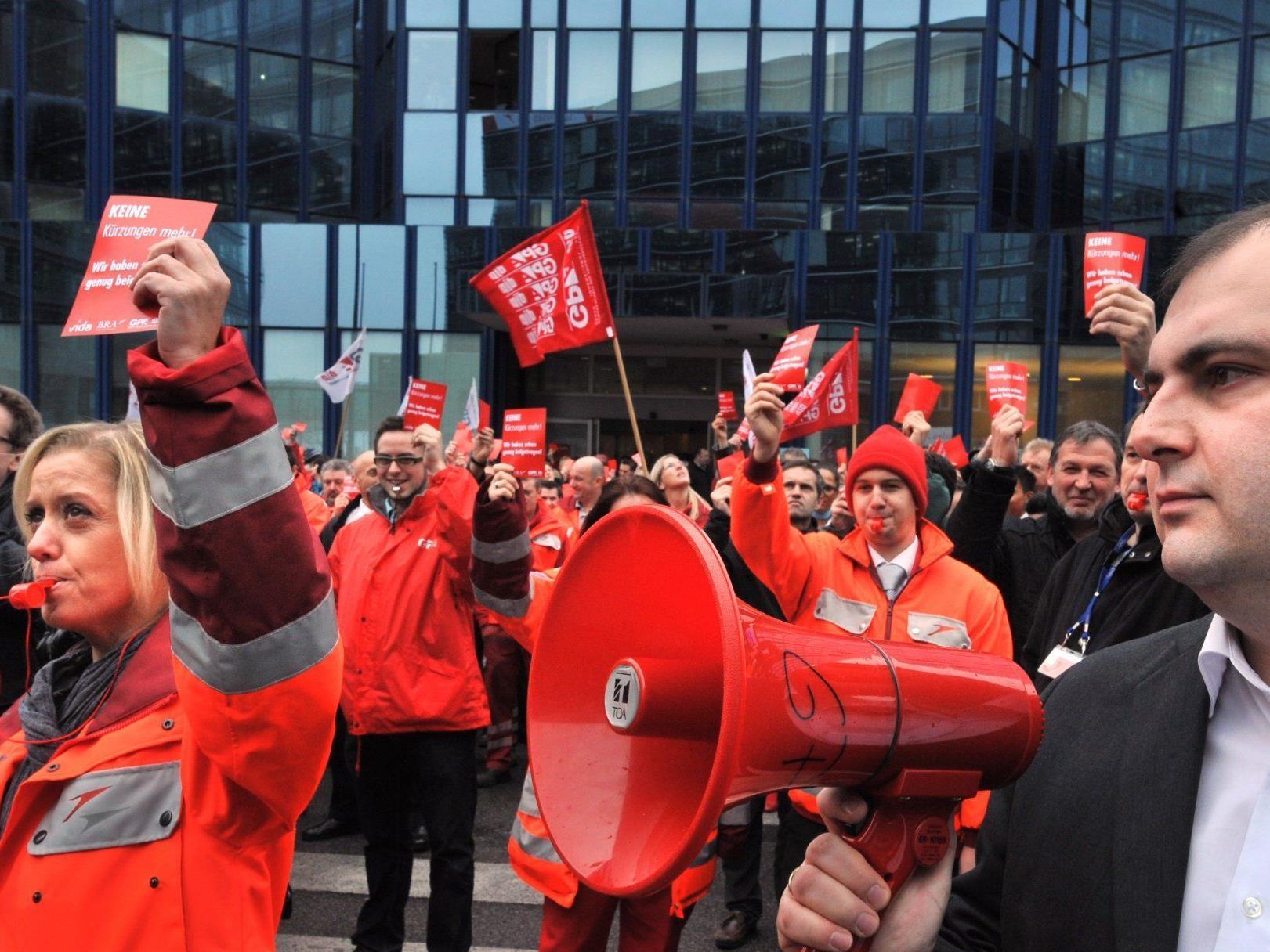 Die Gewerkschaft stellt sich gegen neue Kollektivverträge für AUA-Mitarbeiter.