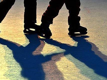 Für ein Mädchen endete ein Eislauf-Ausflug in Traiskirchen tragisch