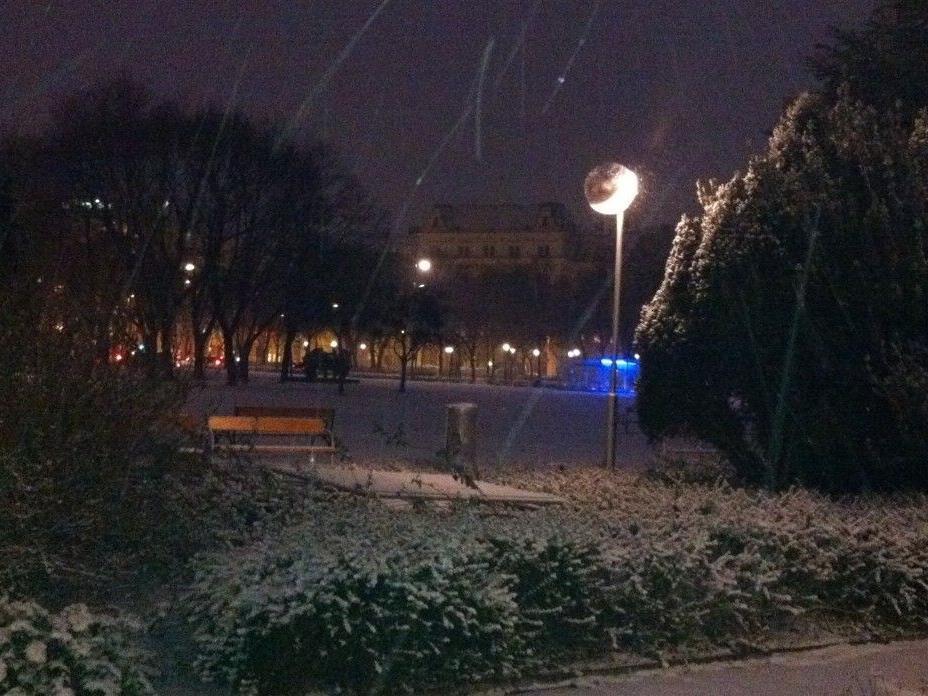 Schneefall: Am Dienstag ließ sich zum ersten Mal der Winter in Wien blicken.