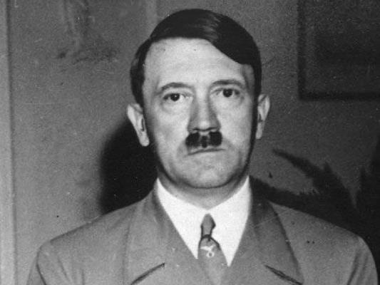 """Hitlers """"Mein Kampf"""" soll jetzt - kommentiert - zu kaufen sein."""