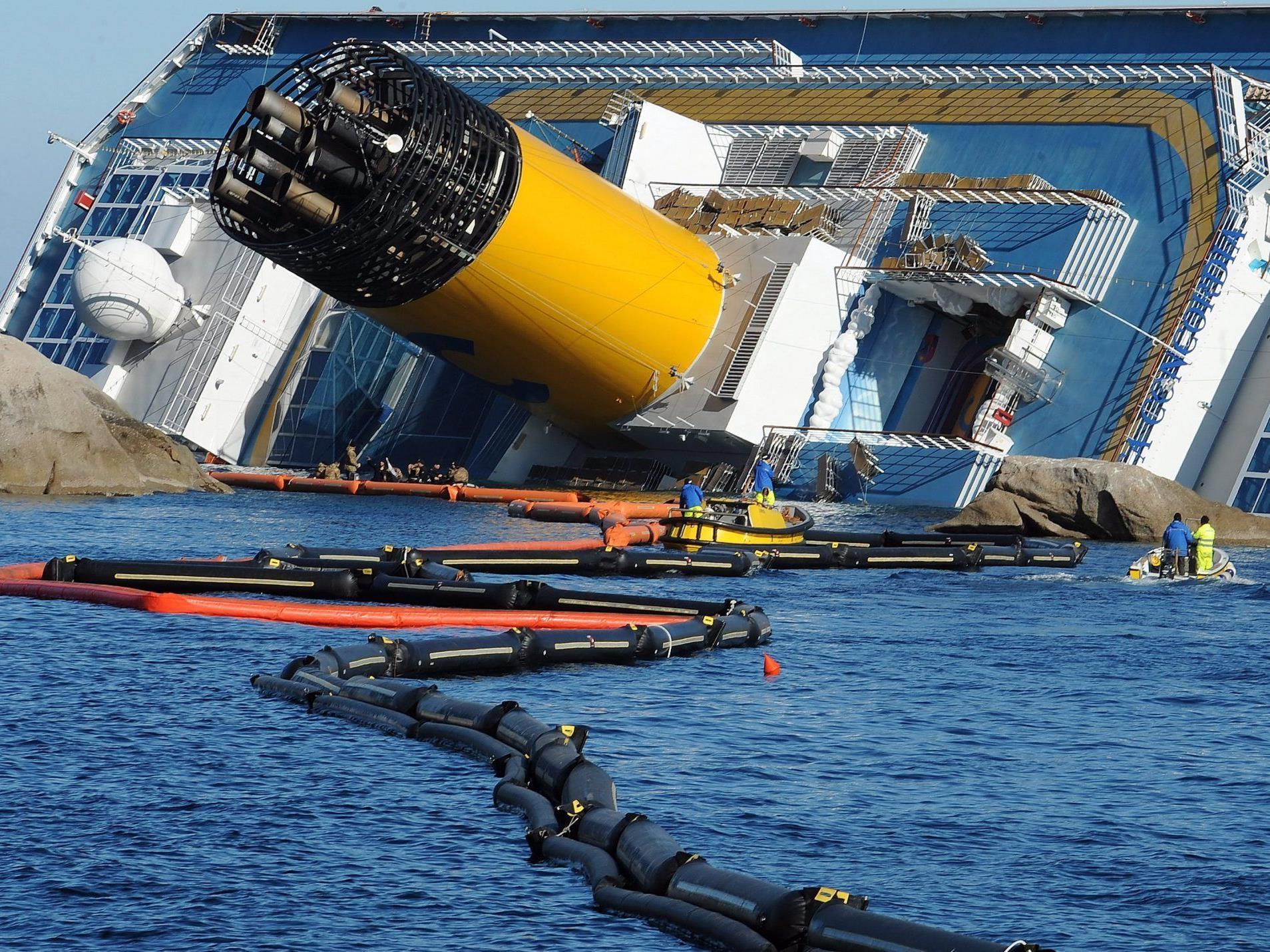 Die Costa Concordia wird zur Gefahr für die Umwelt.